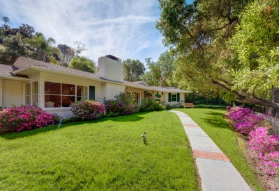 16056 Woodvale Rd Private Encino Country Estate Front