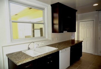 876 Alandele Museum Square 90036 Rental Kitchen 2