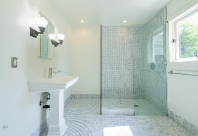 1411 N Stanley Avenue Spaulding Square Adjacent Bungalow Lease 90046 Master Bath